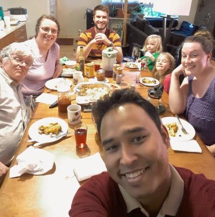 Simon with Host Family (3)